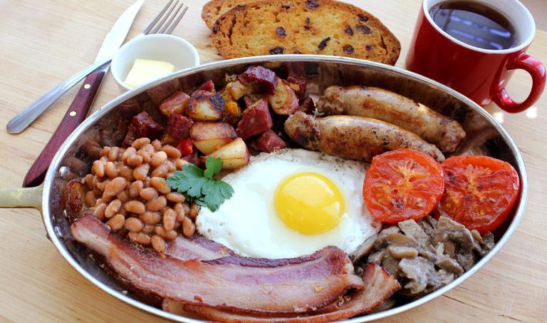 What Makes Up a Full Irish Breakfast  thespruceeatscom